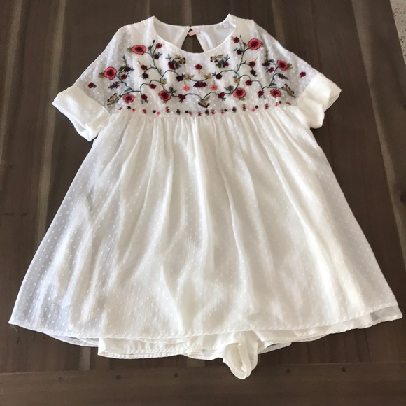 4572ebe6a1 Zara Embroidered Babydoll Jumpsuit Dress. M_5a466f8f9cc7ef8bb6113c87